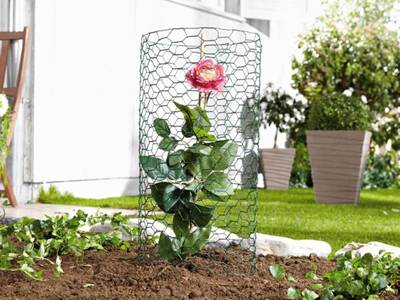 Chicken wire used as garden netting for protect your lovely flowers, vegetables and fruits in garden