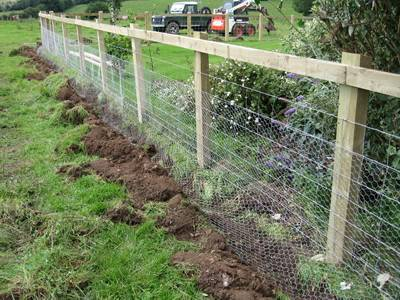 how to create chicken wire on colourbond fence