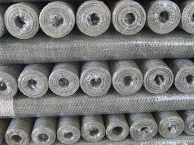 Galvanized hexagonal netting rolls package in plastic bags