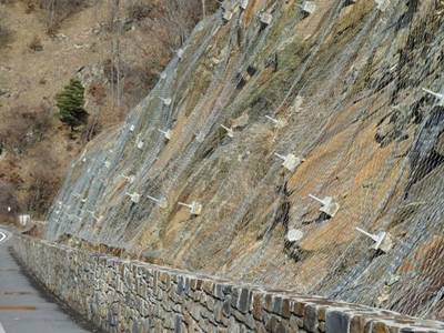 Hexagonal Netting Rockfall Barrier For Slope Stabilization